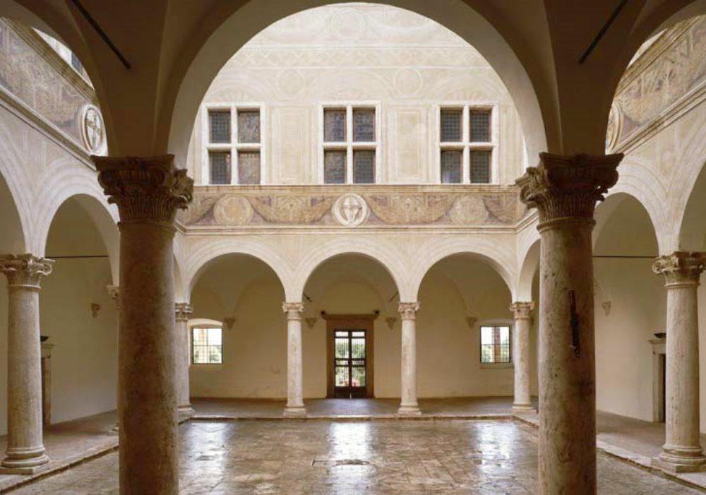 LE STANZE SEGRETE Del Palazzo Piccolomini